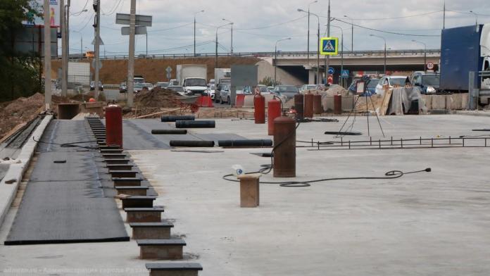 На мосту через Трубеж завершают ремонт накладной плиты