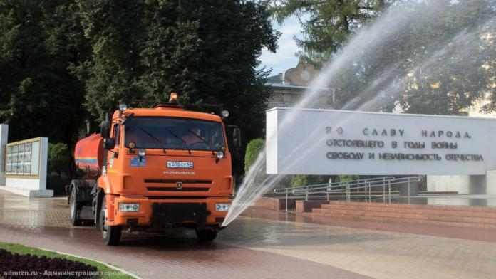 В Рязани продолжают мыть дороги