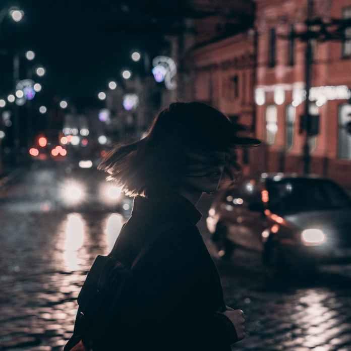 В Томске студентка прошлась в нижнем белье по улице