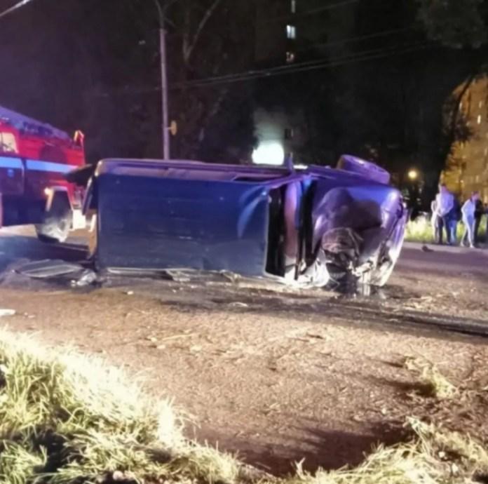 В Абакане пьяный подросток перевернулся на угнанной Toyota Land Cruiser