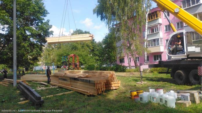 В Рязани начали ремонтировать крышу горевшего на Черновицкой дома