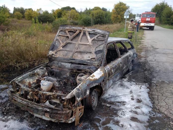 В Старожиловском районе загорелся автомобиль с людьми