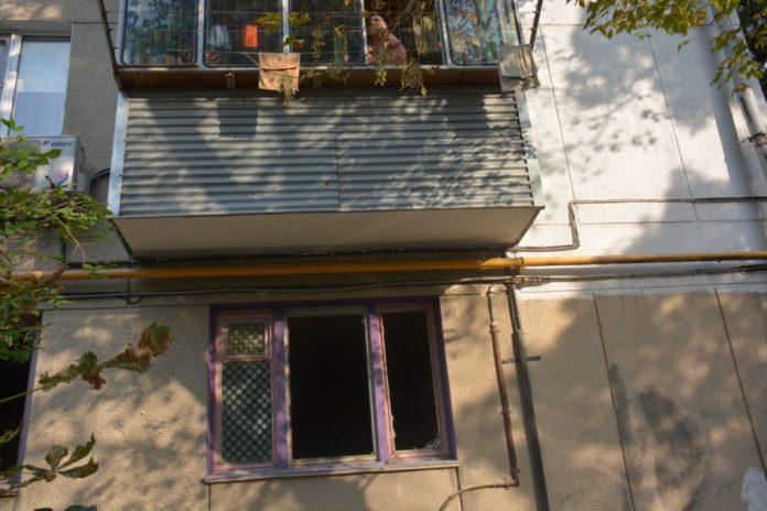 В квартире в Новороссийске прогремел взрыв, когда хозяин травил тараканов