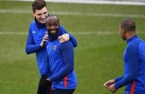 Paris Saint-Germain Akhiri Kontrak Lassana Diarra