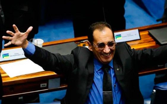 12 senadores trocam de partido e novas legendas ganham poder