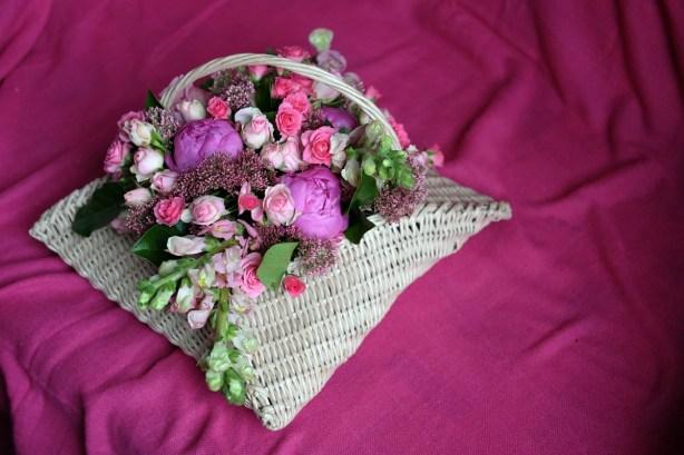 krasivaya-korzina-cvetov