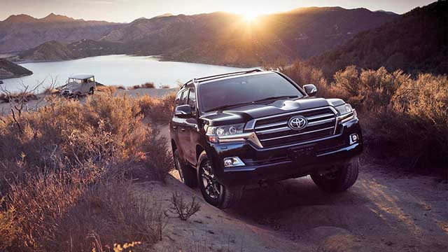 the best 8-seater suvs for 2021 Land Cruiser