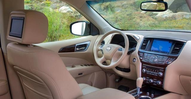 2020 Nissan Pathfinder platinum interior