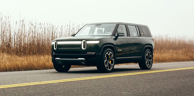 2022 Rivian R1S front