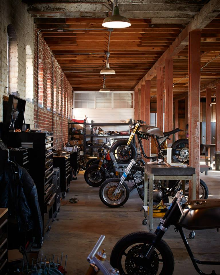 Classified moto place 7seven custom garage for Garage custom moto