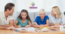 8 Tips for Choosing Homeschool Elementary and Middle School Curriculum 7SistersHomeschool.com