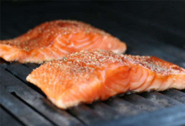 dailymedicalinfo_5_getty_rf_photo_of_salmon_on_grill-2