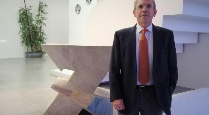 El director de CACSA, Enrique Vidal, durante su visita a 7 Televalencia.