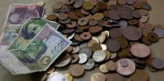 Monedas y billetes de pesetas | EFE