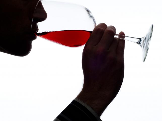 alkohol wino kieliszek