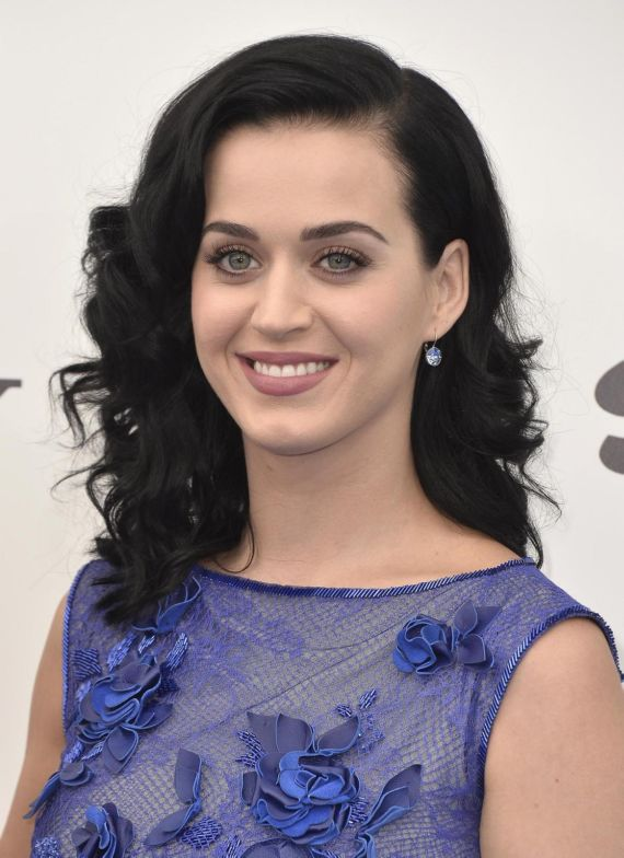 Gorgeous Katy Perry At The Smurfs 2 Premiere