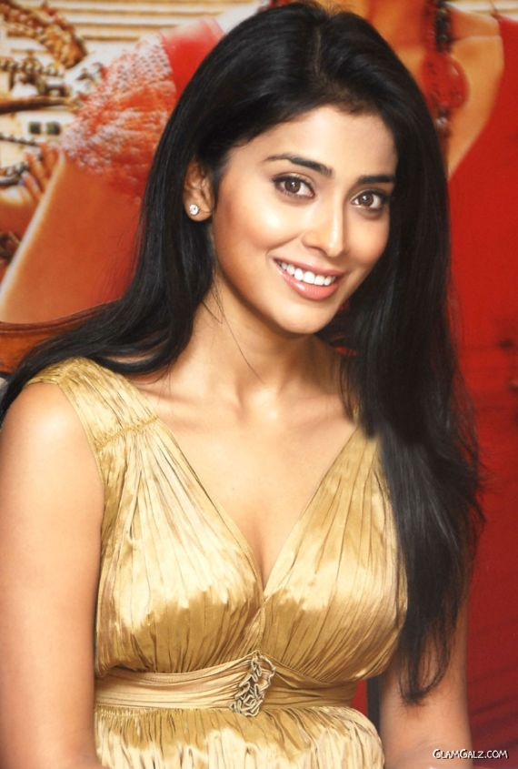 Desi Beauty Shriya Saran