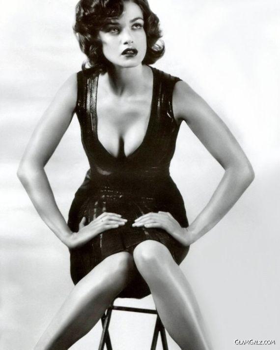 Hot Rachel Weisz Photoshoot