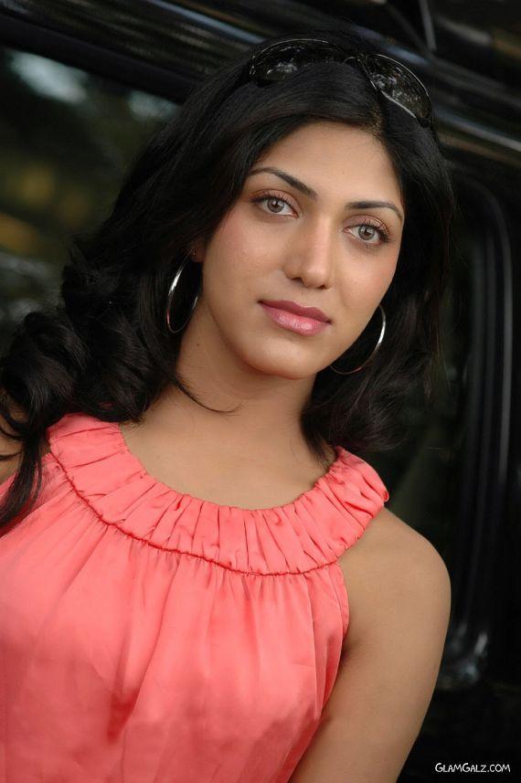 Gorgeous Indian Actress Sindhura Gadde