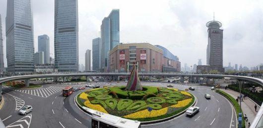 Amazing Pedestrian Crossing In China