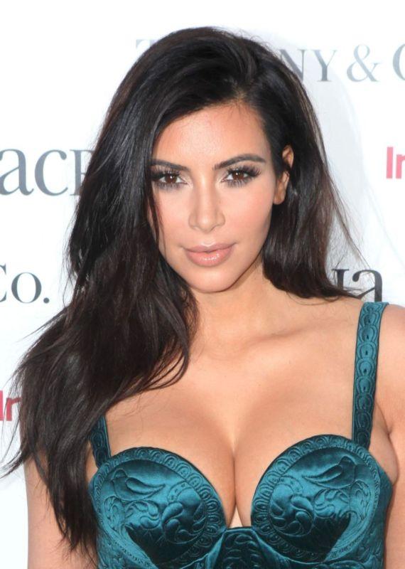 Kim Kardashian At ACRIA Holiday Dinner