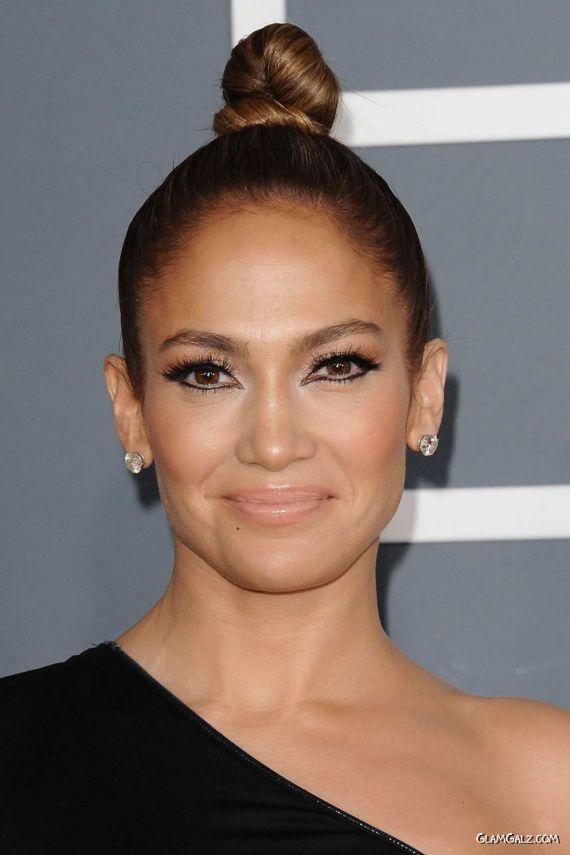 Jennifer Lopez Gracing Up 2013 Grammy Awards