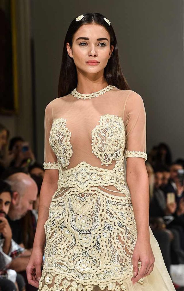 Amy Jackson Is The Perfect Showstopper For Rocky S In Paris Glamistan Com