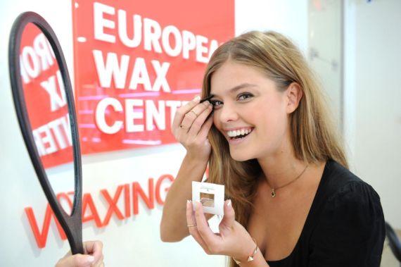Cute Nina Agdal Launches The Natural Brow Powder