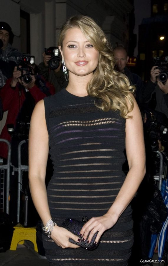 Charming Holly Valance With Her Fans