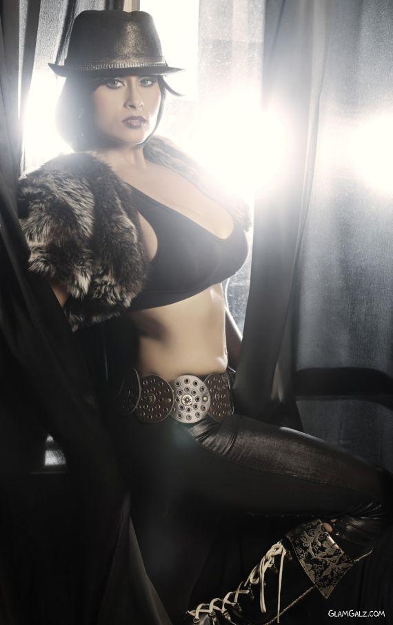 Indo Australian Model Aiysha Saagar