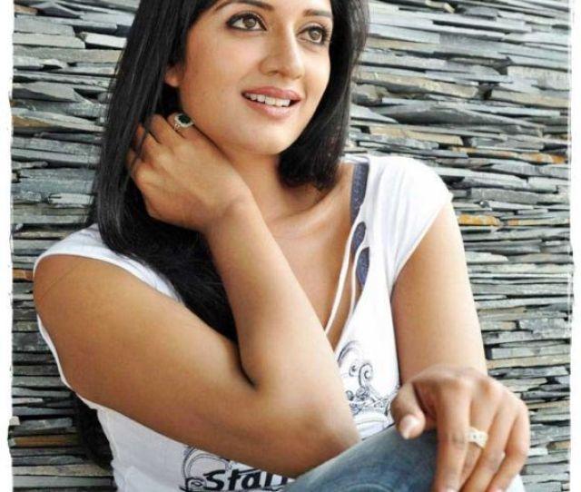 Desi Beauty Vimala Raman