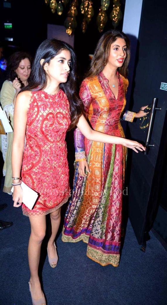 Navya Naveli Nanda is Quite a Stunner