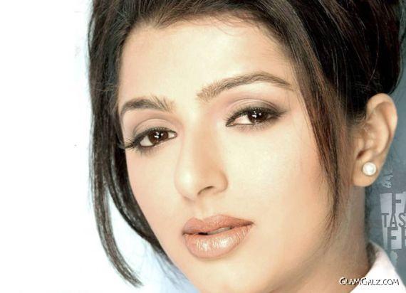Click to Enlarge - Beautiful Bhumika Chawla Wallpapers