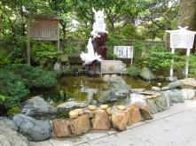 White-Dragon-Statue