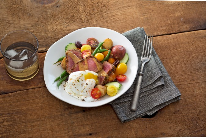 BLENDS WITH BENEFITS - Chia Crusted Nicoise Salad with Chia Seeds - McCormick - Christy Brissette 80 Twenty Nutrition