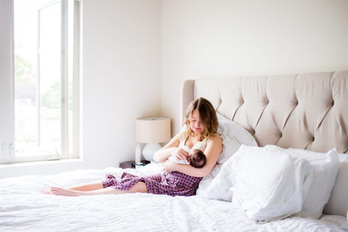 seattle lifestyle newborn photographer