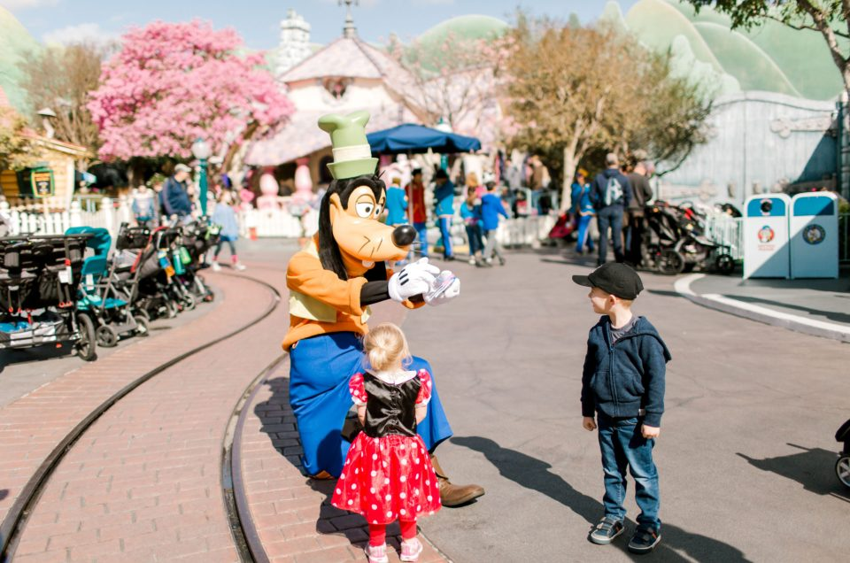 Seattle to Disneyland / Tips for Taking Toddlers, and Photos