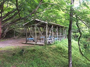 虹の滝キャンプ場・炊事場1