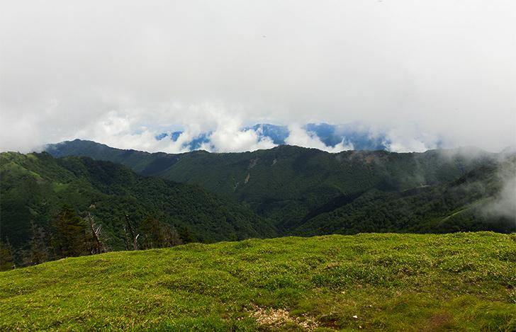 剣山頂上からの景色