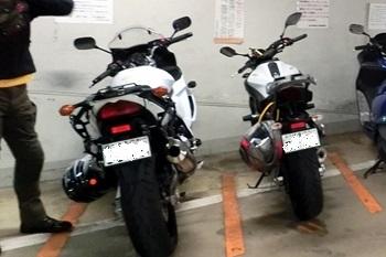 横浜市馬車道地下駐車場・バイク置き場