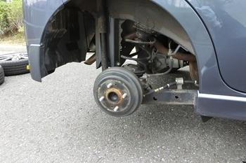 タイヤを外す