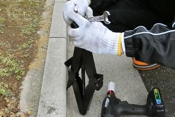 車載ジャッキに車載ジャッキヘルパーを取り付ける