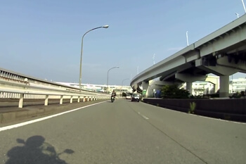 横浜からベイブリッジへ