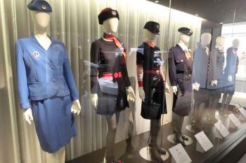 JAL工場見学・制服