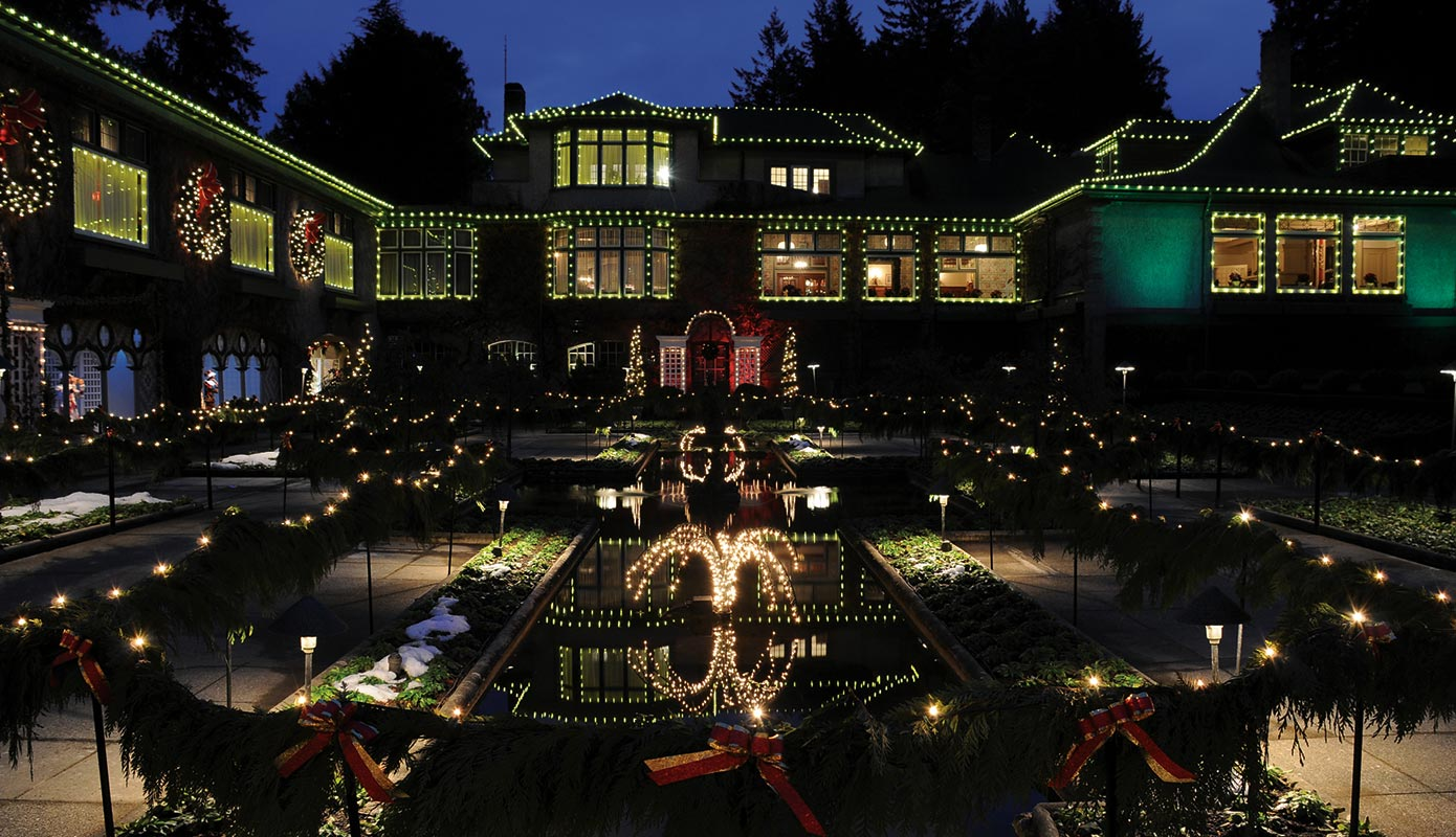 The Butchart Gardens Holiday Lights Tour Amp Victoria Bc