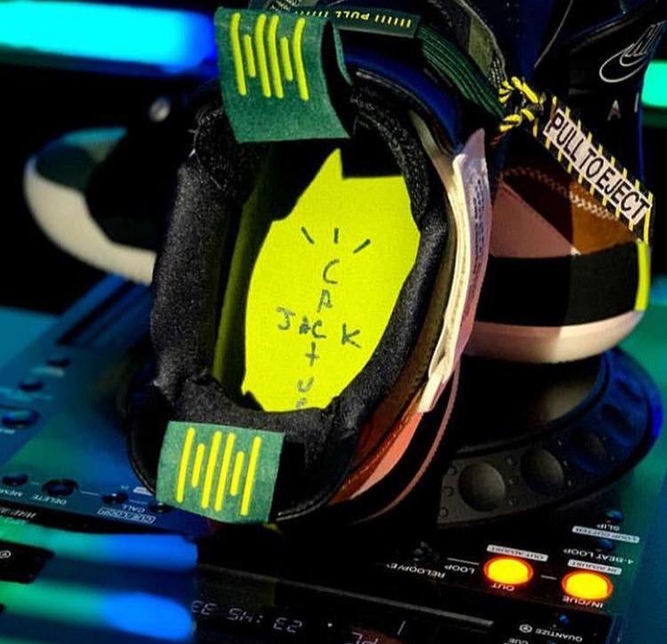 トラヴィス・スコット エア ジョーダン33 NRG