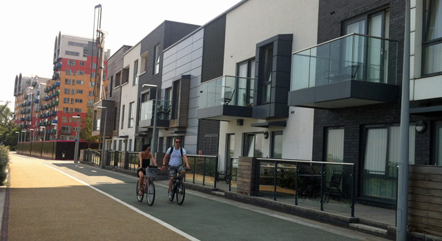 Almost Dutch-style in Greenwich - by the City Peninsula development