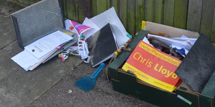 Dumped rubbish in Eltham, August 2016