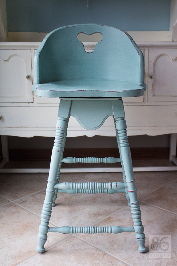 Painting with Chalk Paint #anniesloan #chalkpaint  86lemons.com