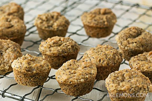 Lemon Poppy Seed Mini Muffins #vegan #glutenfree #snack